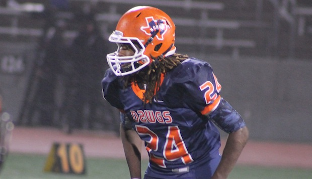 Class of 2015 running back Ronald Jones II, an Oklahoma State commitment since April, is expected to visit Notre Dame next weekend when the Irish host Louisville on Senior Day, according to Irish recruiting analyst Tom Loy.