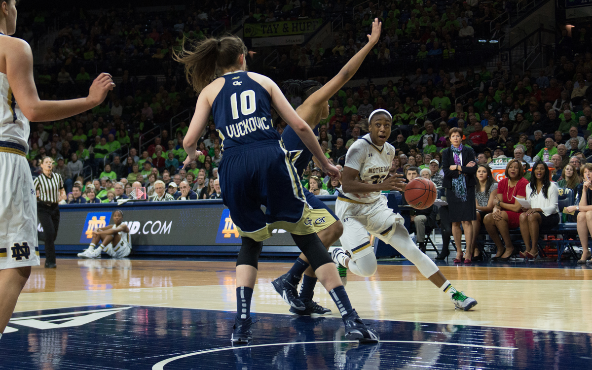 Irish junior guard Jewell Loyd drives to the hoop in a win against Georgia Tech last Thursday at Purcell Pavilion.