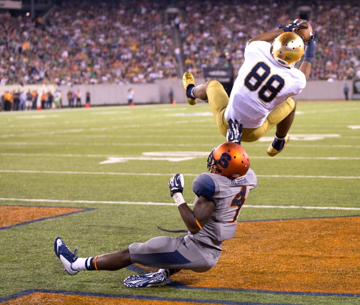 Irish junior receiver Corey Robinson pulls in a touchdown catch during Notre Dame's 31-15 win over Syracuse at MetLife Stadium on Sept. 27.