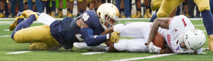 Shumate makes a tackle during Notre Dame's 38-3 win over Texas on Sept. 5 at Notre Dame Stadium.