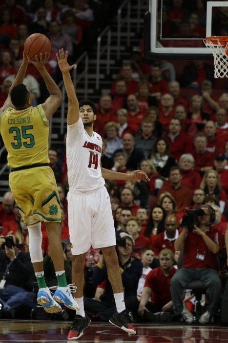 Irish junior forward pulls up for a jumper during Notre Dame's 71-64 loss at Louisville on Saturday.